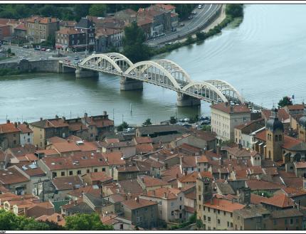 11 mai 2020 : Réouverture des commerces de Neuville-sur-Saône.